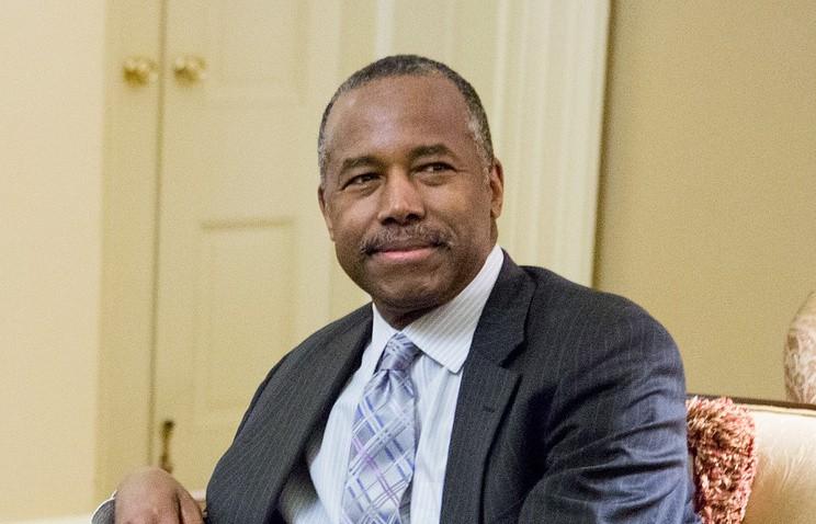Сенат США утвердил Карсона напост министра жилищного строительства игородского развития