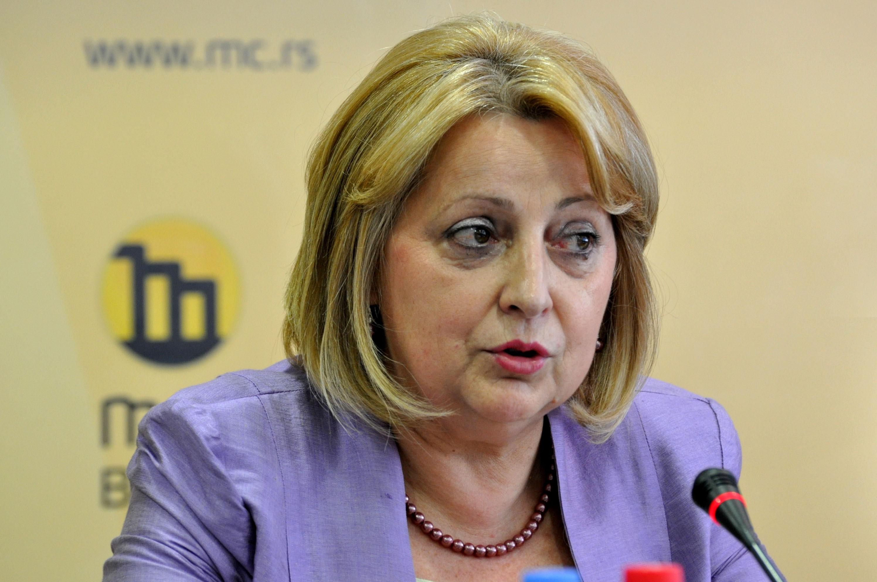 Сербский министр Джукич-Деянович пострадала вДТП