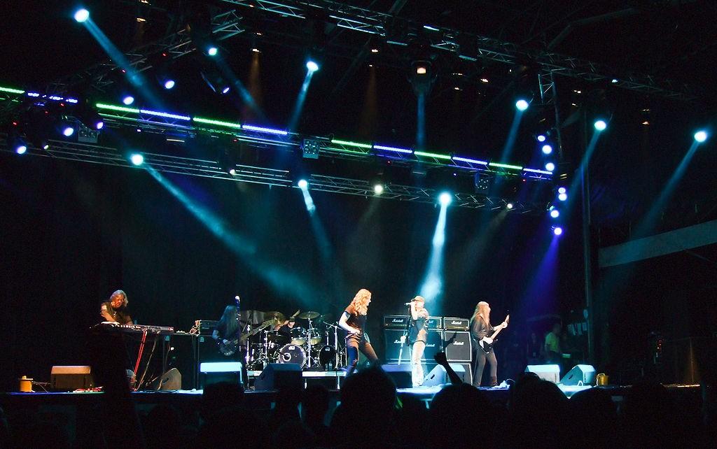 Мертвый рок-музыкант Ронни Джеймс Дио отправится вмировое турне