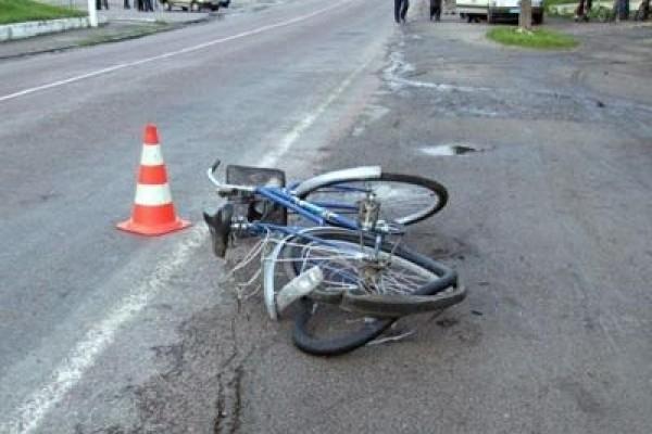 Старый велосипедист попал всмертельное ДТП наПриморском