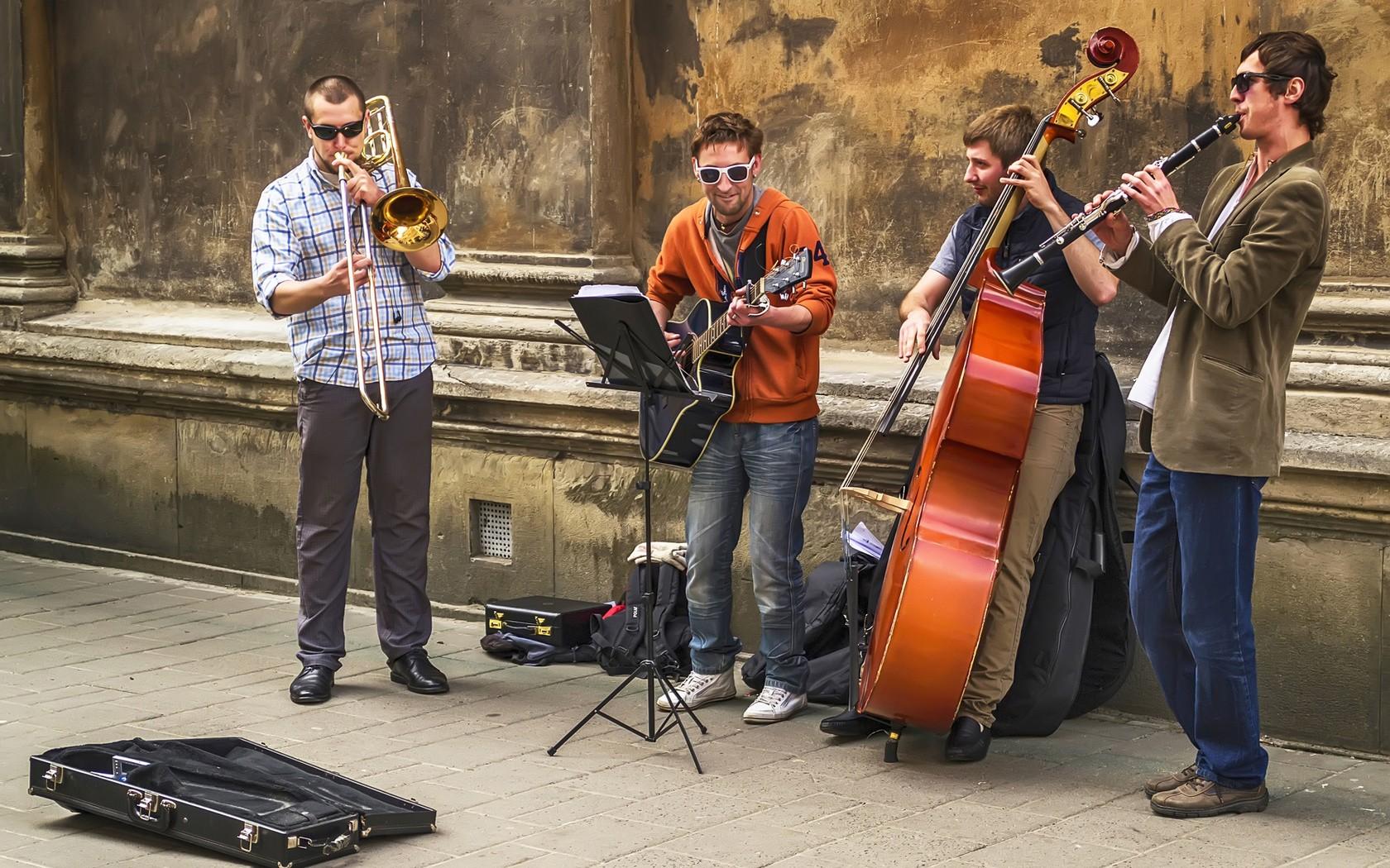 20мая вПетербурге проведут День уличной музыки