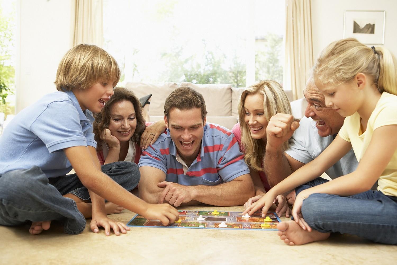 Ученые: Дети, которым родители поддаются виграх, чаще страдают психологическими болезнями