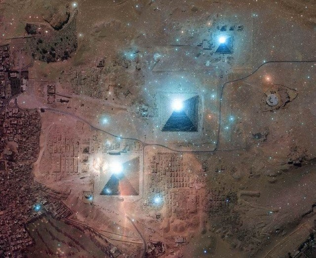 Египетские пирамиды сфотографировали сборта МКС