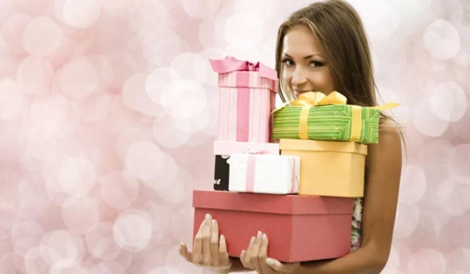 Что подарить жене на 8 марта 2018