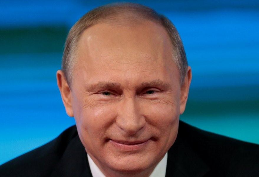 Владимир Путин осмотрел перинатальный центр вБрянске