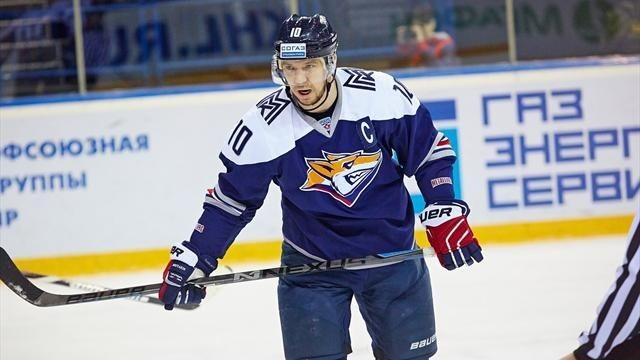Магнитогорский «Металлург» победил «Барыс» впервом матче ¼ финала плей-офф КХЛ
