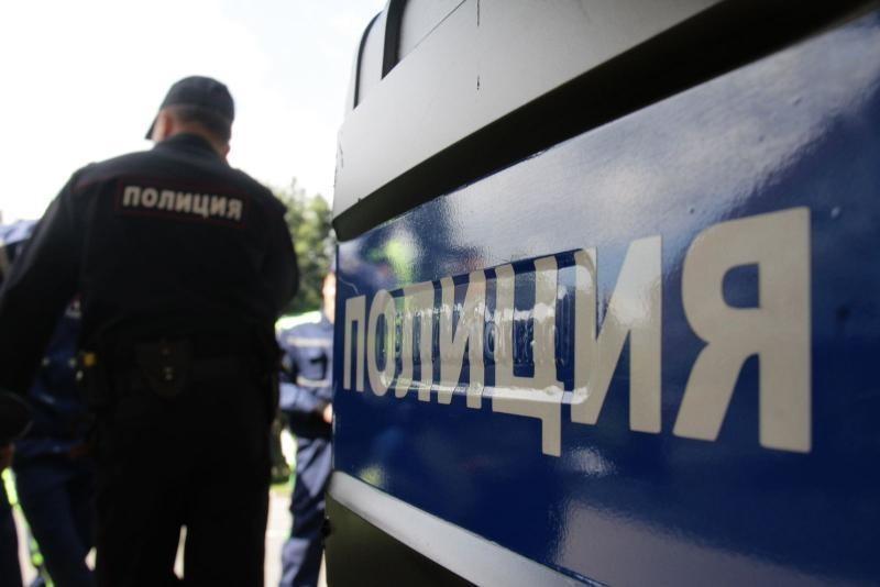 Неизвестные ограбили таксиста наюге столицы