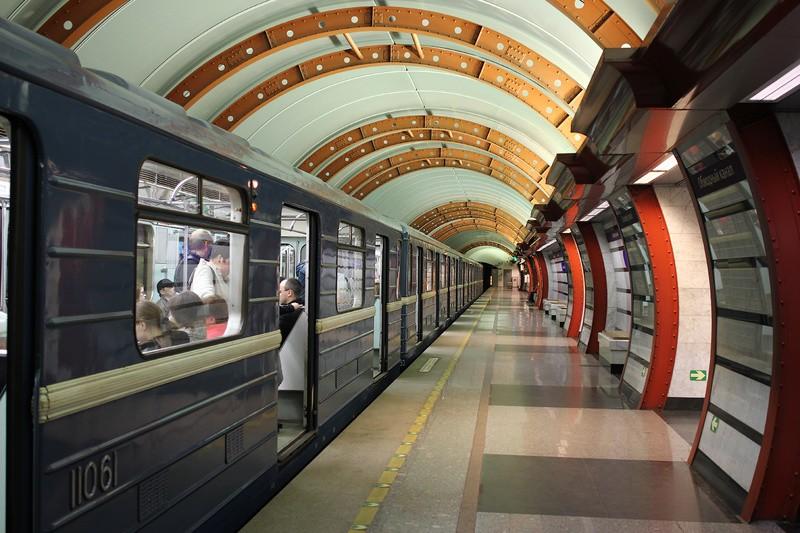 Смольный потратит 6 млрд руб. нановые поезда метро, троллейбусы итрамваи