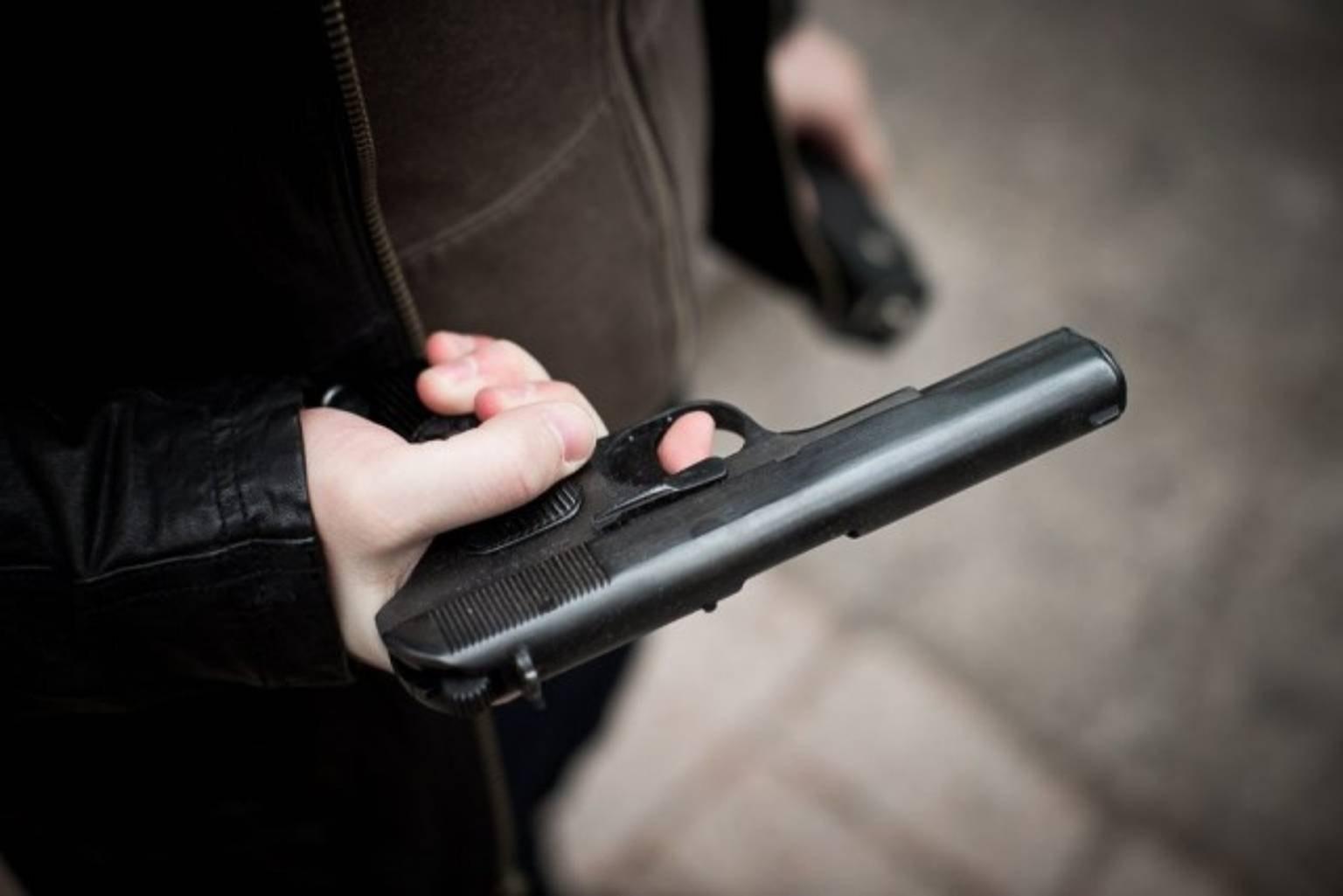 ВГреции преступник взял взаложники работницу супермаркета