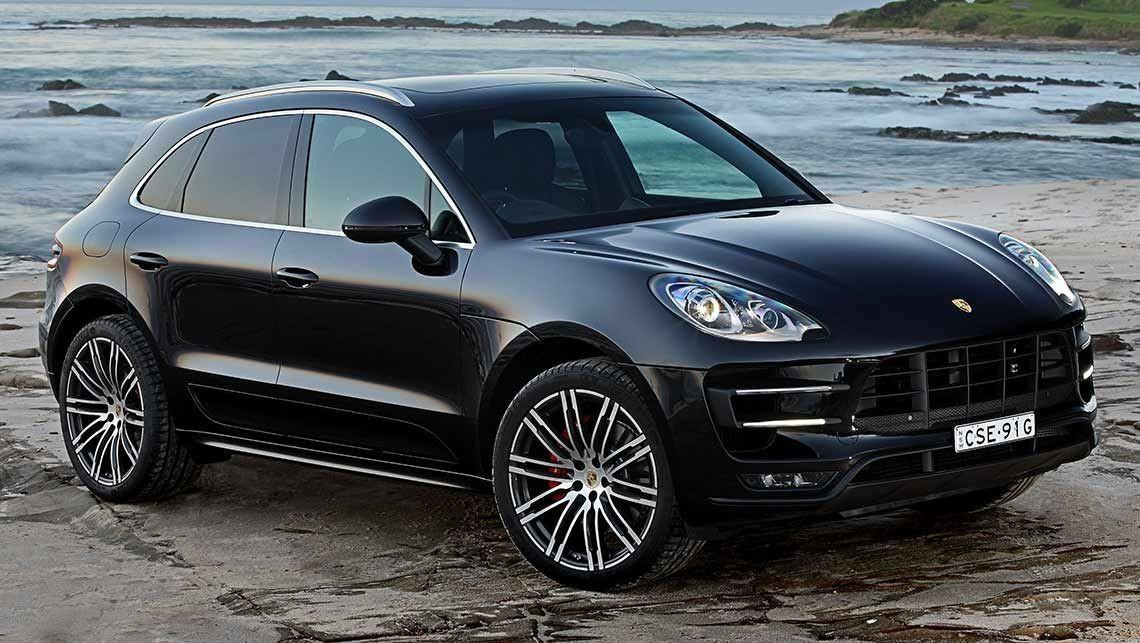 Компания Порш отозвала еще три модели спорткаров, включая Macan