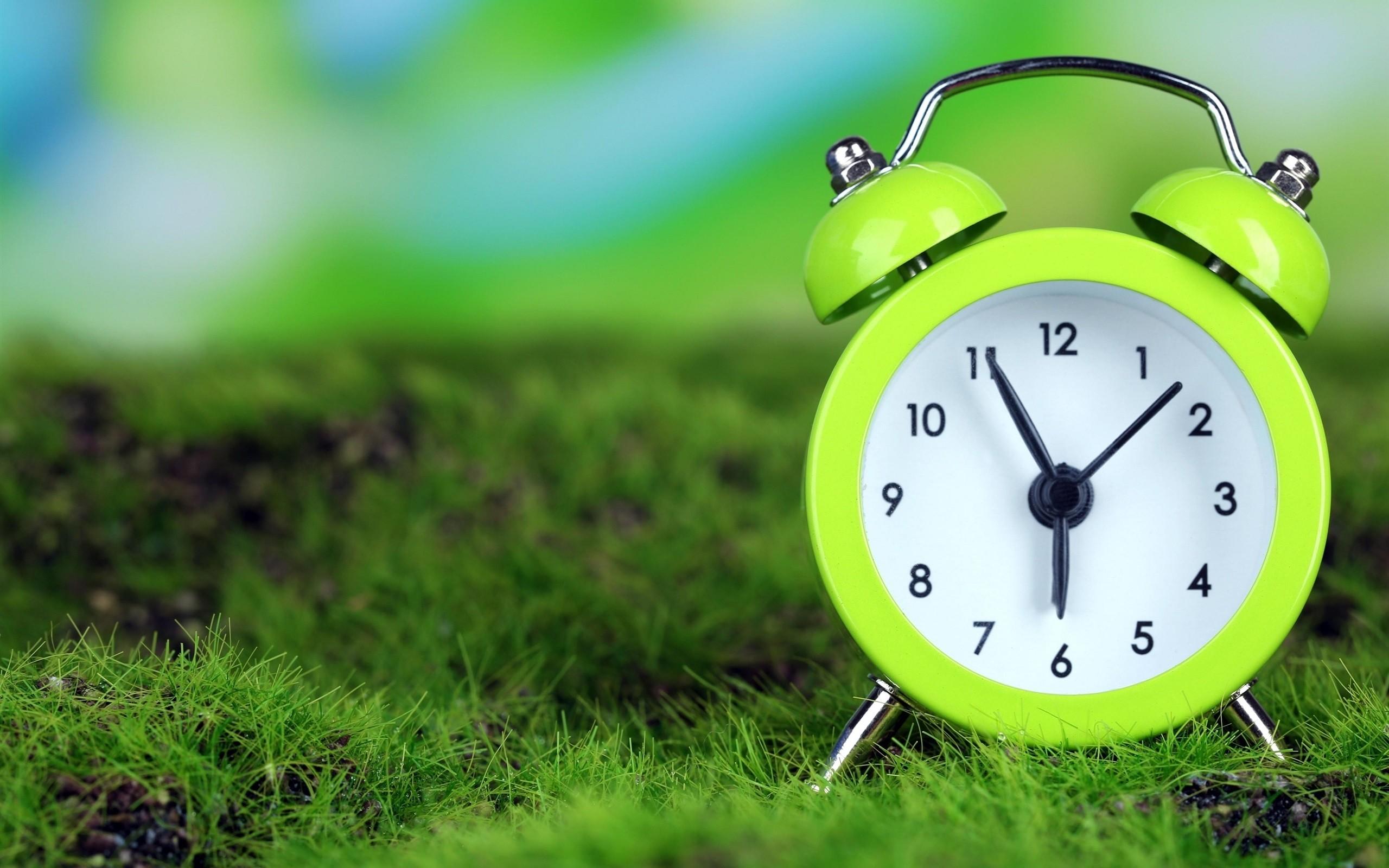 Перевод часов налетнее время бесполезен ивредит здоровью— Ученые