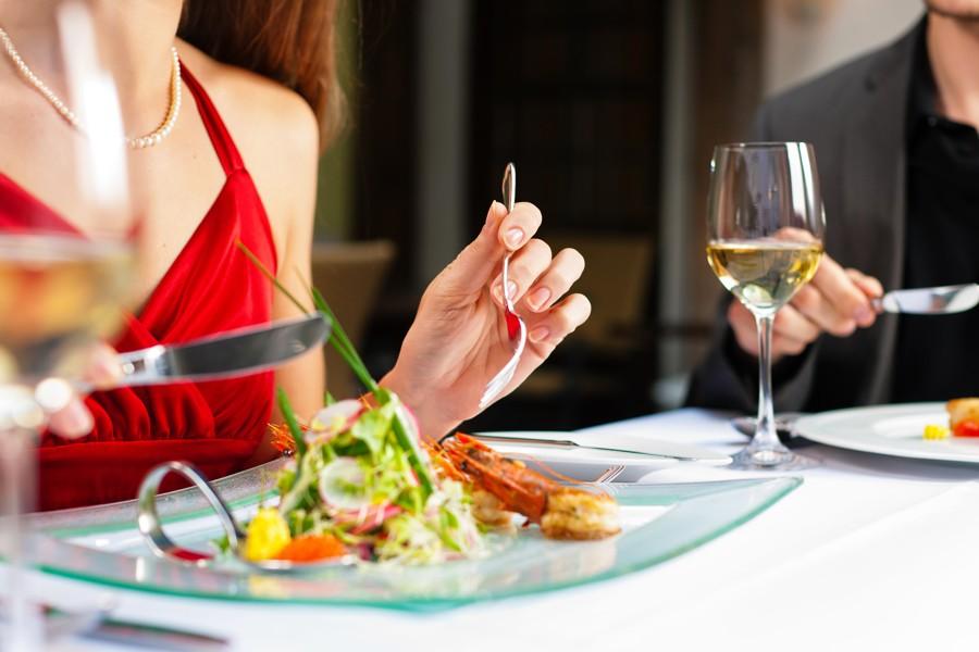 В РФ появился сервис попоиску ресторанов, где можно бесплатно поесть