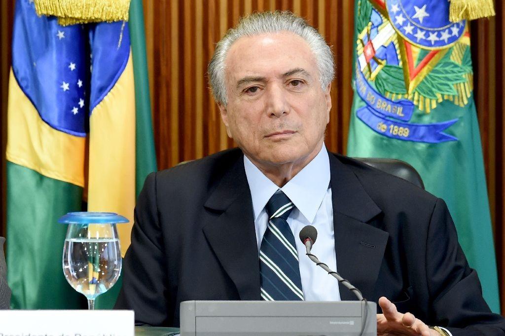 Привидения выгнали президента Бразилии изрезиденции