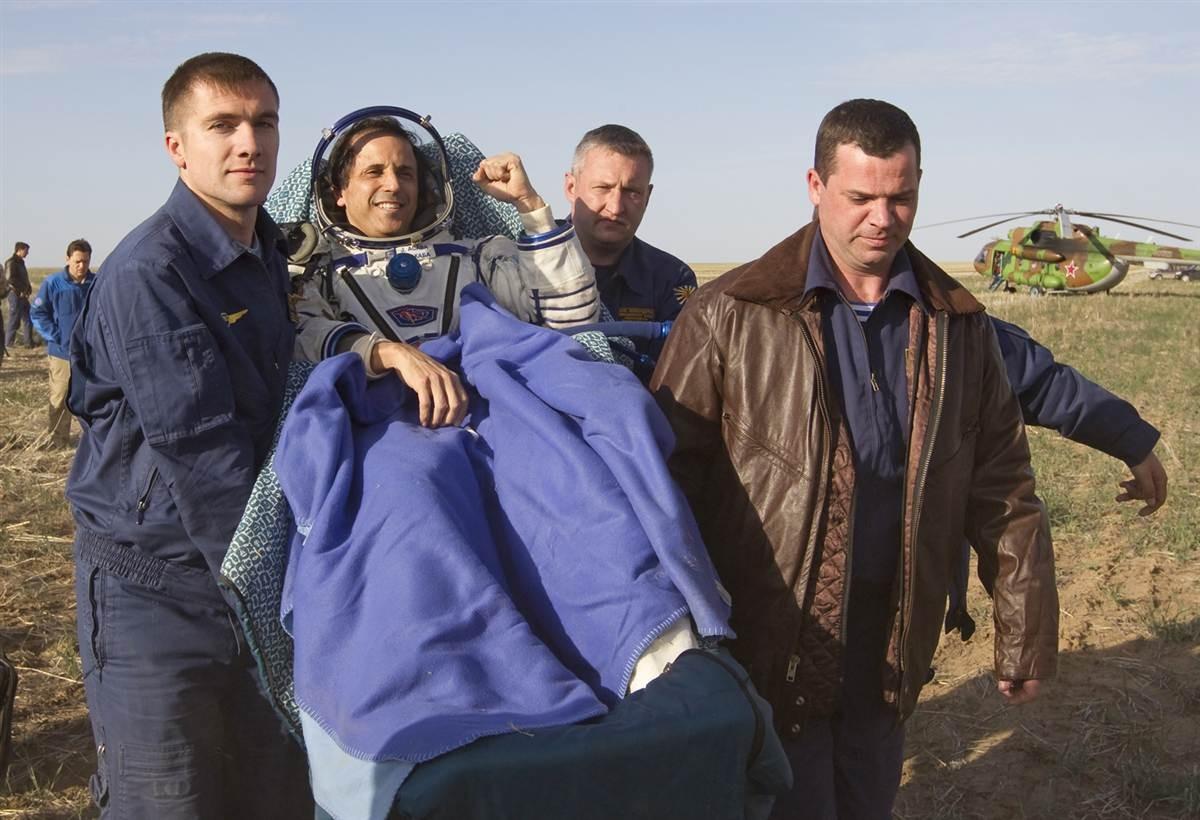 "Американец Джозеф Акаба полетит на МКС за счет долгов РКК ""Энергия"""