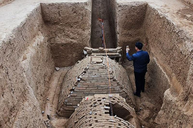 Ученые отыскали таинственную мини-пирамиду в«Поднебесной»