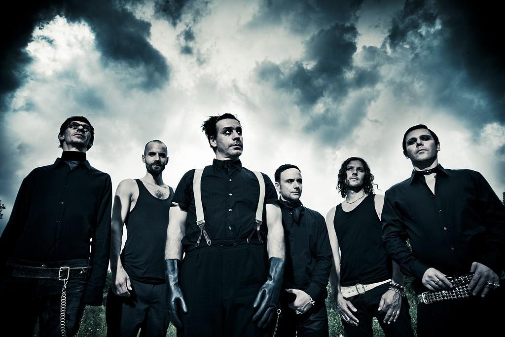 Группа Rammstein обнародовала кавер насвою песню висполнении русского ансамбля
