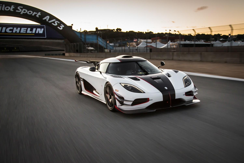 Концерн Koenigsegg следит завсеми автомобилями своего производства
