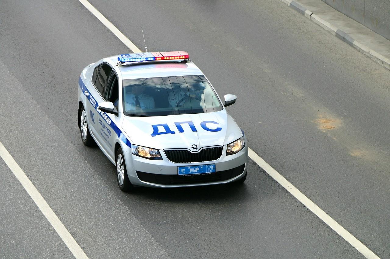ВВоронеже нетрезвый шофёр сбил полицейского, удирая отпогони