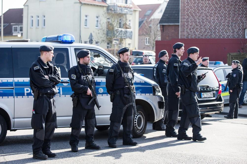 Назападе Германии мужчина захватил заложников вбанке