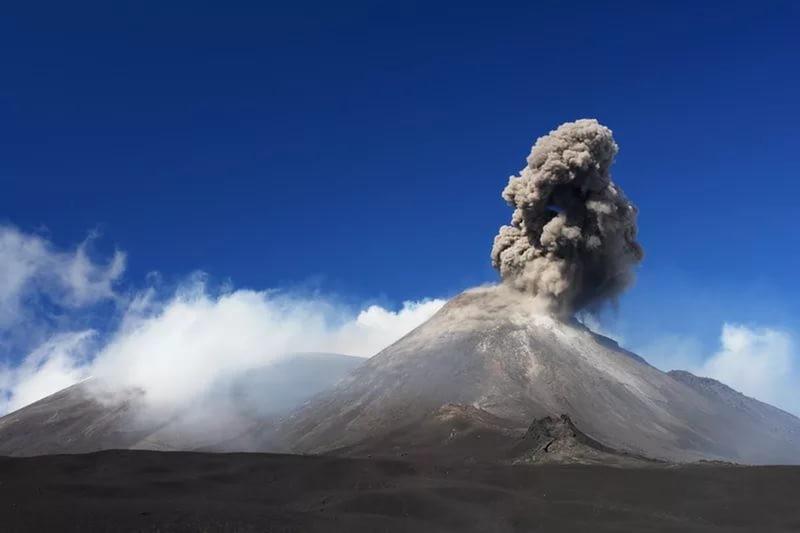 Появилось видео сместа катастрофы— Извержение вулкана Этна