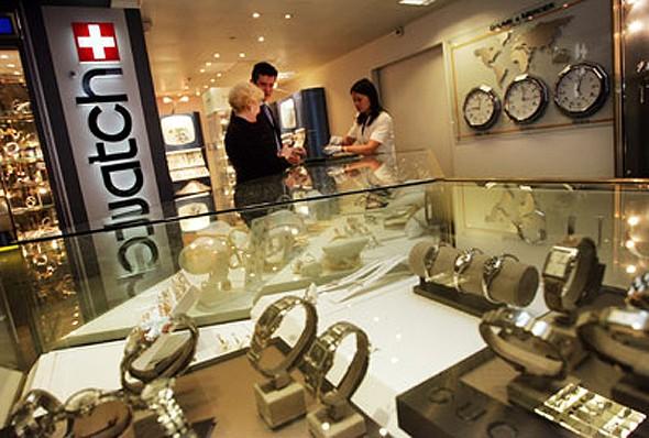 Swatch Group трудится над разработкой механизма умных часов
