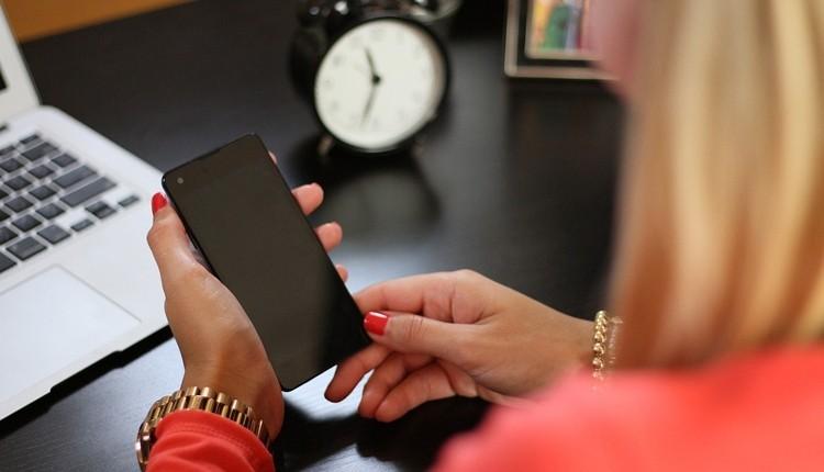 Huawei понесет большие убытки из-за выхода Apple iPhone 8
