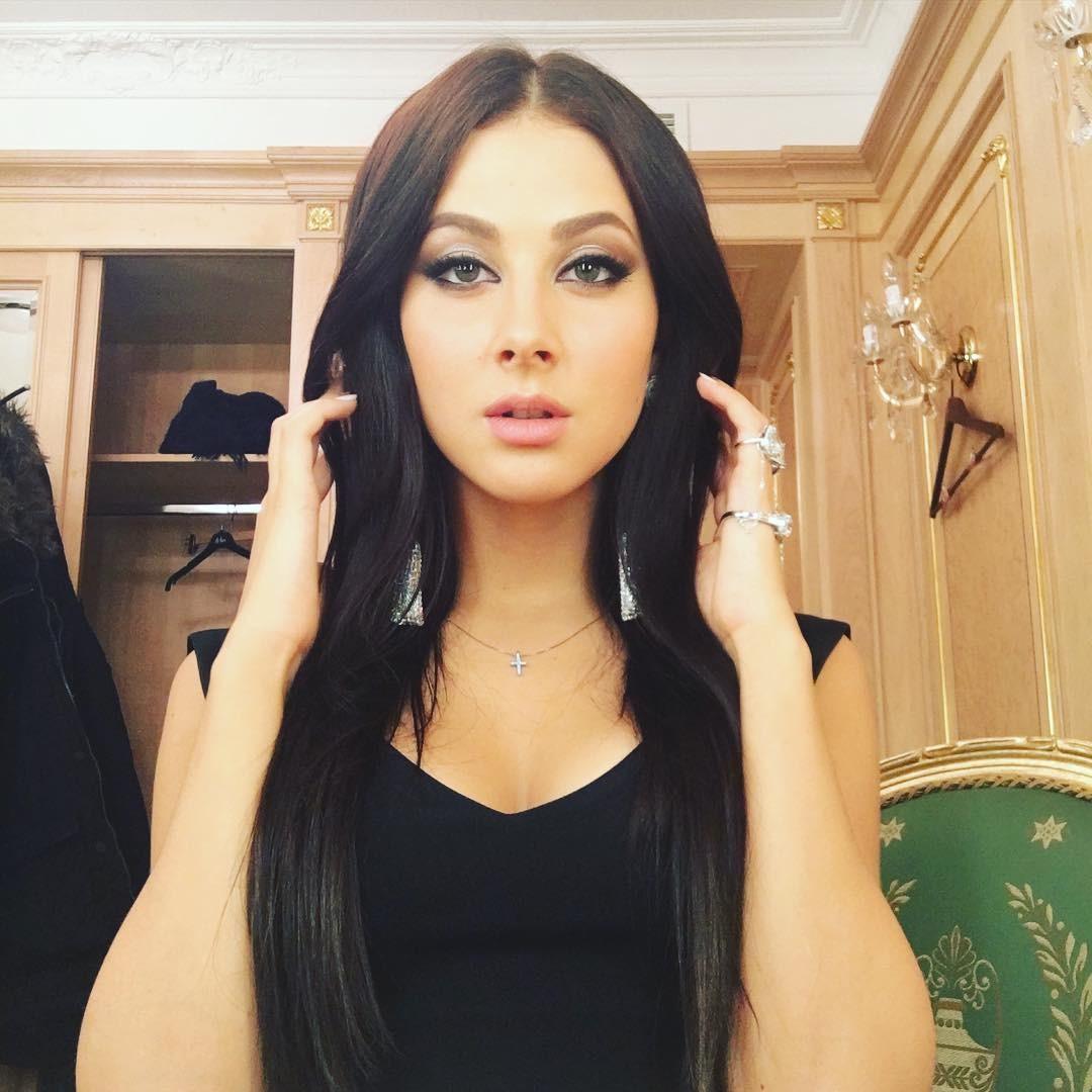 Анастасия Кожевникова, участница сексуального трио «ВИА Гра», выходит замуж