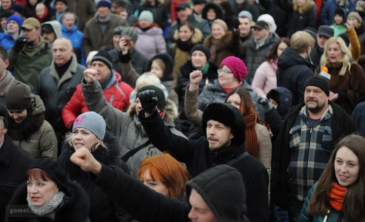 Руководитель райисполкома вышел кучастникам «Марша нетунеядцев» вСлониме