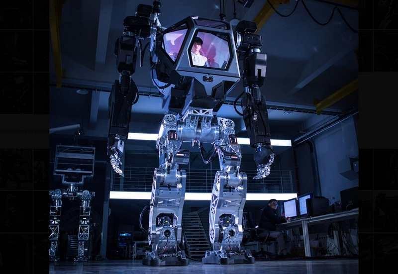 Руководитель Amazon иBlue Origin протестировал огромного корейского робота