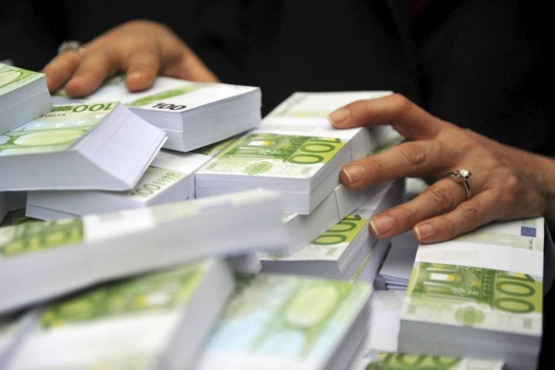 Финансовые власти Италии одобрили кредит Intesa наприватизацию «Роснефти»