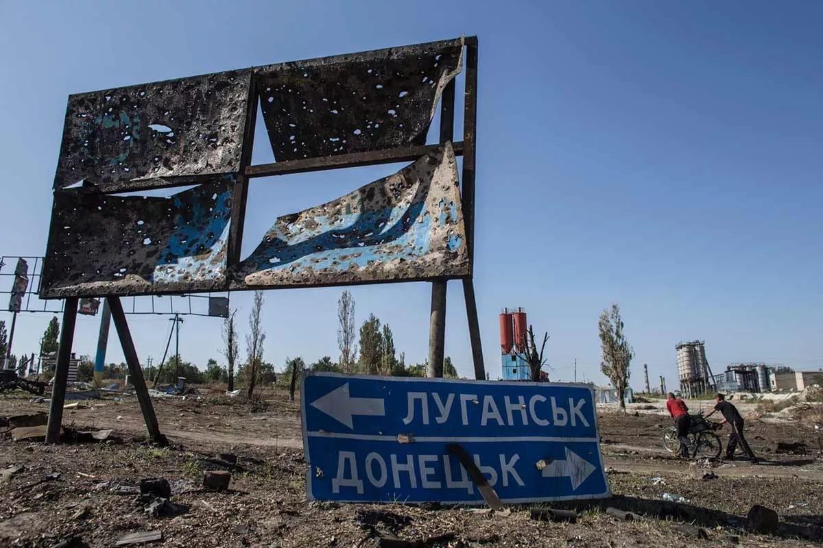 Партия Яценюка придумала, как вернуть Украине Крым сДонбассом