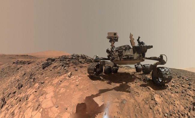 Наодном колес марсохода Curiosity найдены небольшие повреждения