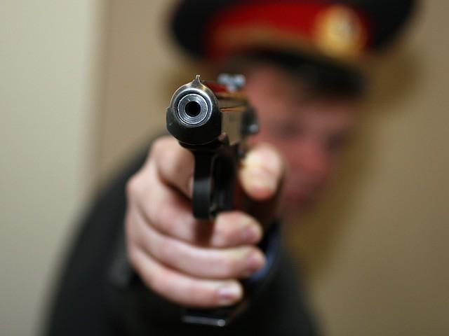 Полицейский ранил сослуживца вбедро вЧеркесске