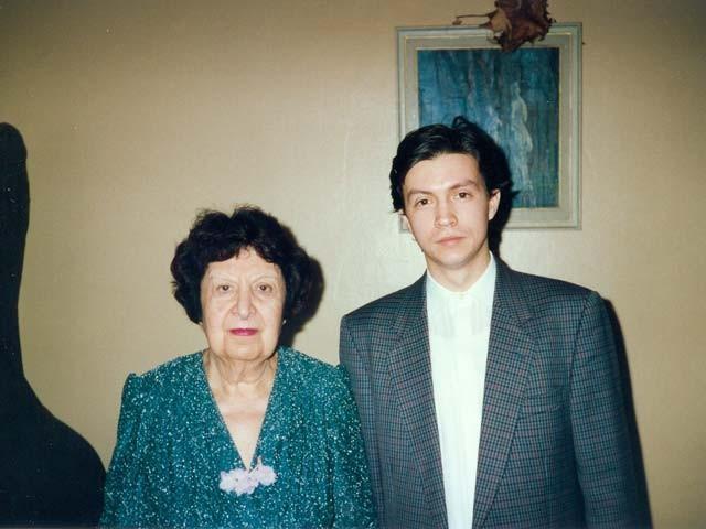 В возрасте 100 лет скончалась Нина Оксентян самая старая органистка