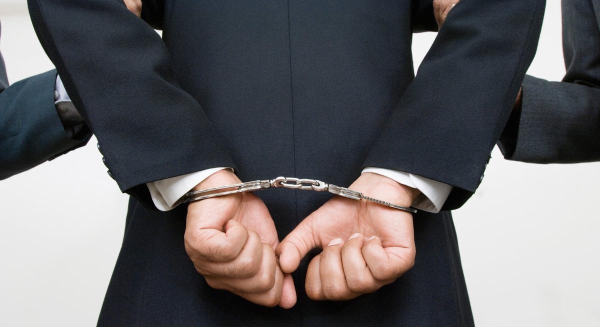 В столицеРФ арестованы двое обвиняемых вмошенничестве натри млн руб.