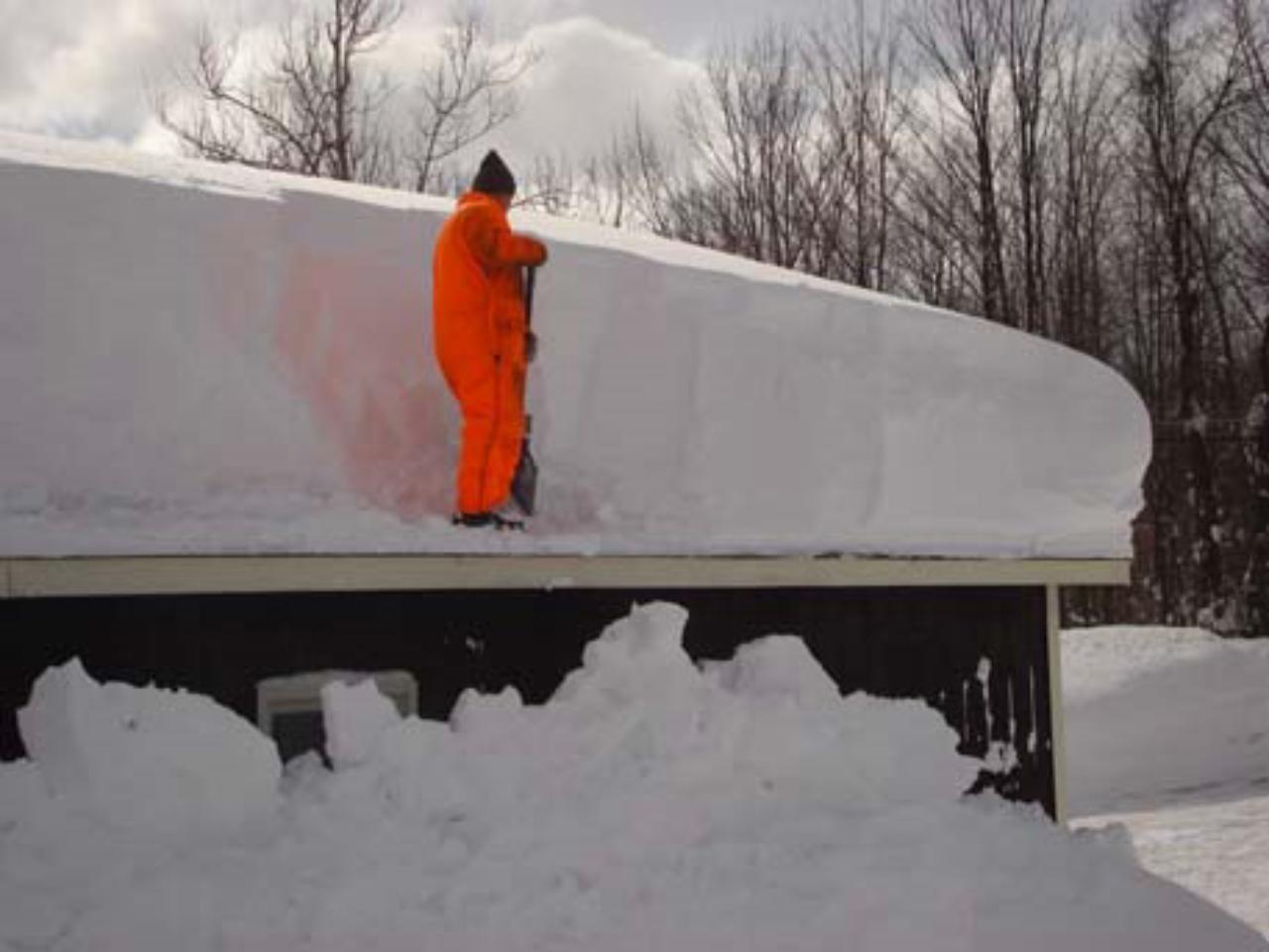 ВБашкирии ребенок умер отсошедшего скрыши снега
