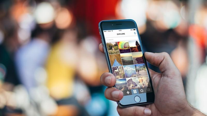 Социальная сеть Instagram разрабатывает офлайн-версию соцсети