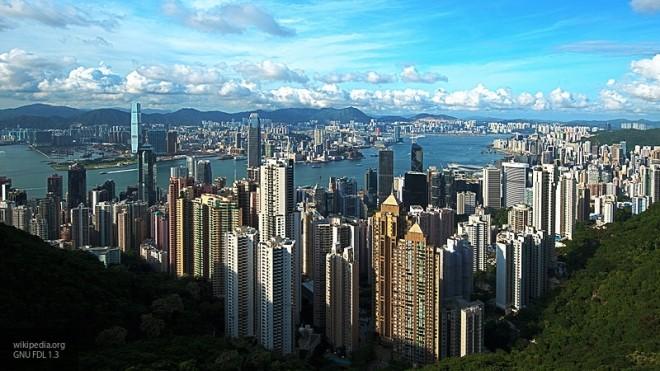 Пропекинский кандидат одолела навыборах руководителя администрации Гонконга
