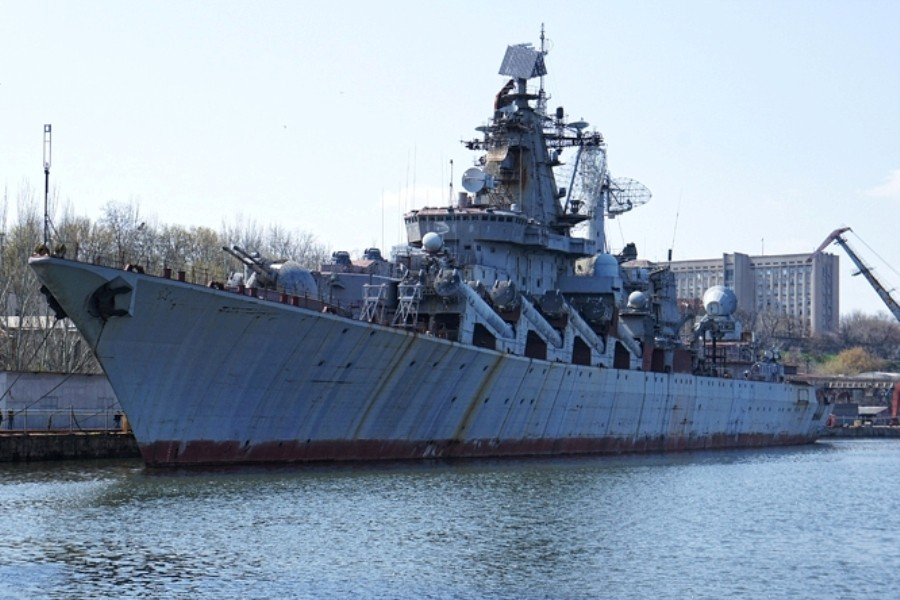 Порошенко распорядился продать крейсер «Украина»