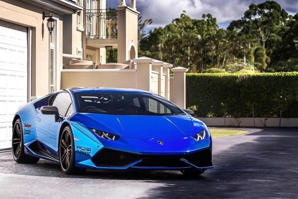 За уничтоженный Lamborghini Huracan попросили 300 рублей