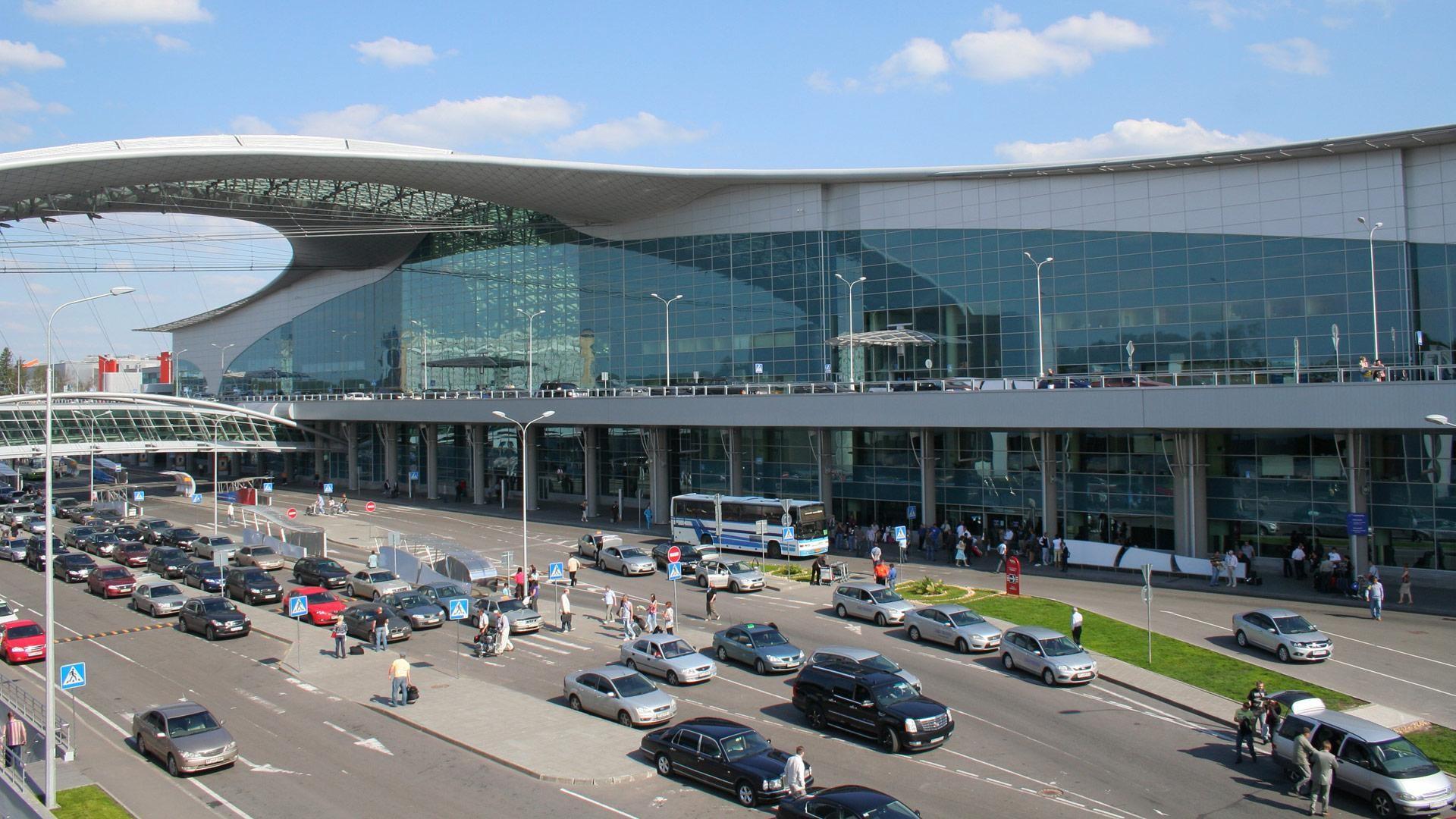 Шереметьево с1апреля закрывает терминал Cнареконструкцию