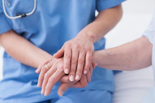 Ученые называли основные причины онемения рук