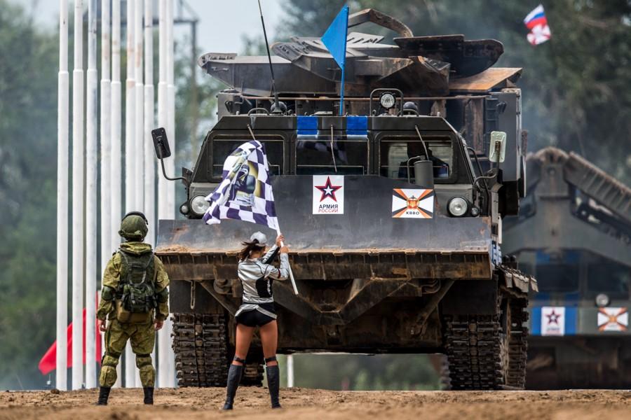 Насайте Минобороны запустили раздел, посвященный «Арми-2017»