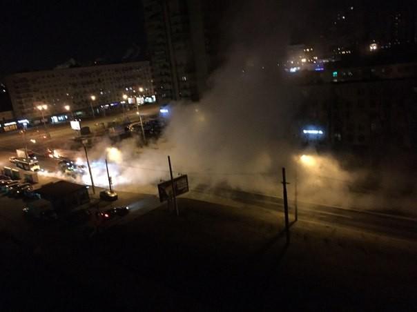 Трубу сгорячей водой прорвало наулице Зины Портновой
