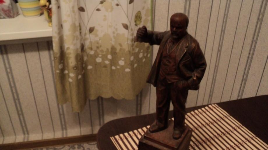 Амурчанина осудили закражу статуэток Ленина, Сталина иГитлера