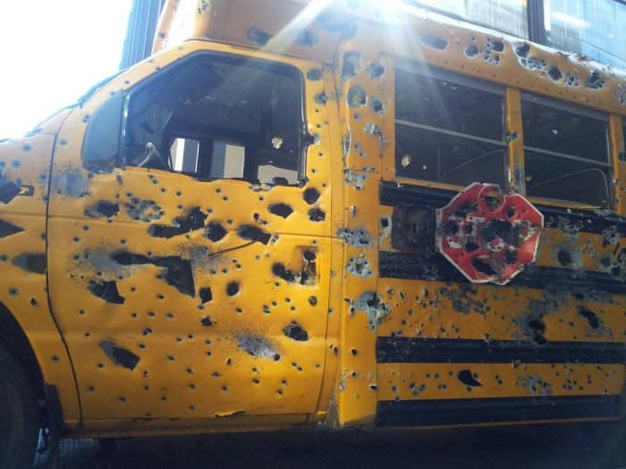 НаСахалине школьники расстреляли пассажирские автобусы изтравмата