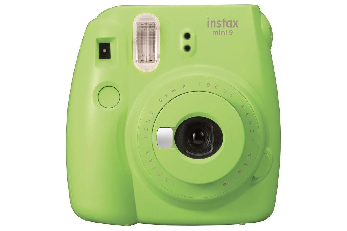 Fujifilm представила недорогую камеру Instax Mini 9