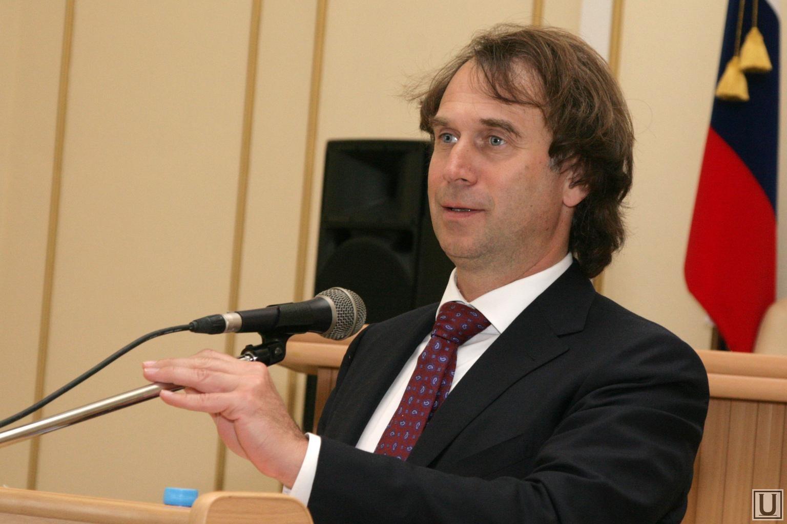 Эксперт прокомментировал законодательную инициативу обограничении часов работы гипермаркетов