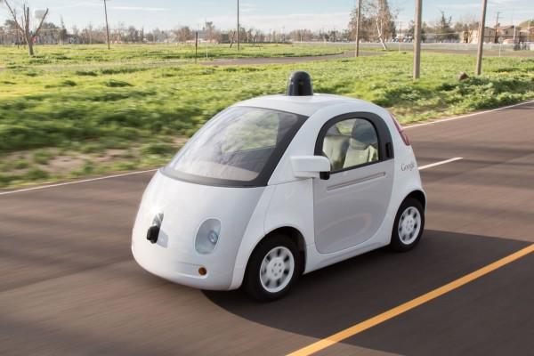 Власти Японии планируют перевести страну на беспилотные авто к 2030 году