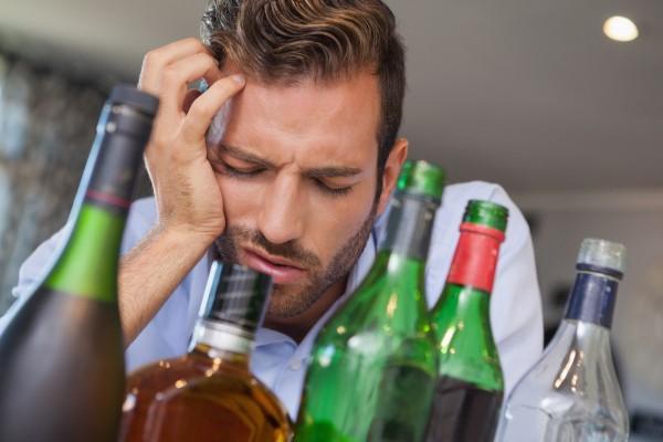 Учёные рассказали, почему нельзя закусывать алкоголь